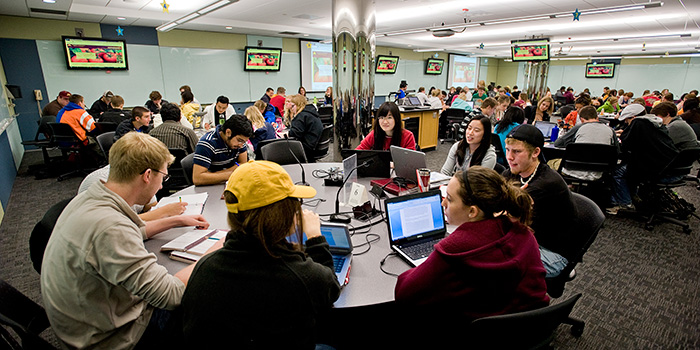 Photo: Students in active learning room